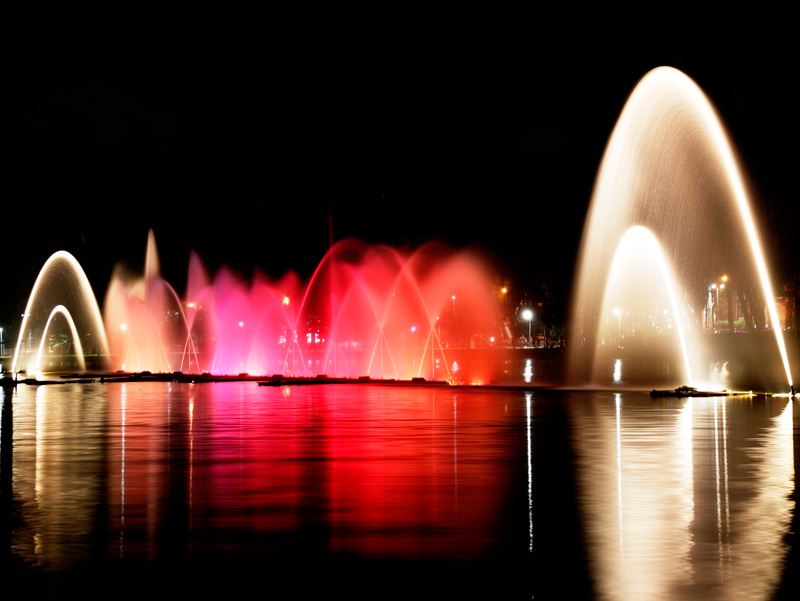 Ibirapuera Park puts on a light show